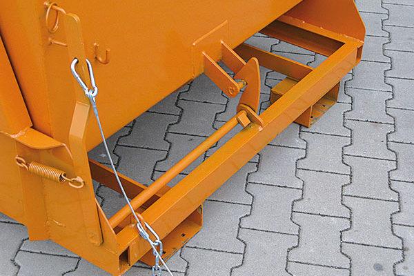 Detailabbildung zum Schwerlast-Kippbehälter 2011 mit Seilzug zum Auslösen des Kippvorgangs