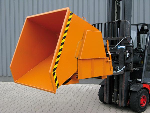 Schwerlast-Kippbehälter 2011 in Anwendung auf Gabelstapler gekippt im maximalen Neigungswinkel